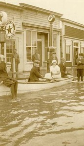Unidentified Beaufort, NC, residents in the aftermath of a flood, ca. 1933