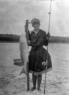 PhC42.Bx27.Sport Fishing.F28-9